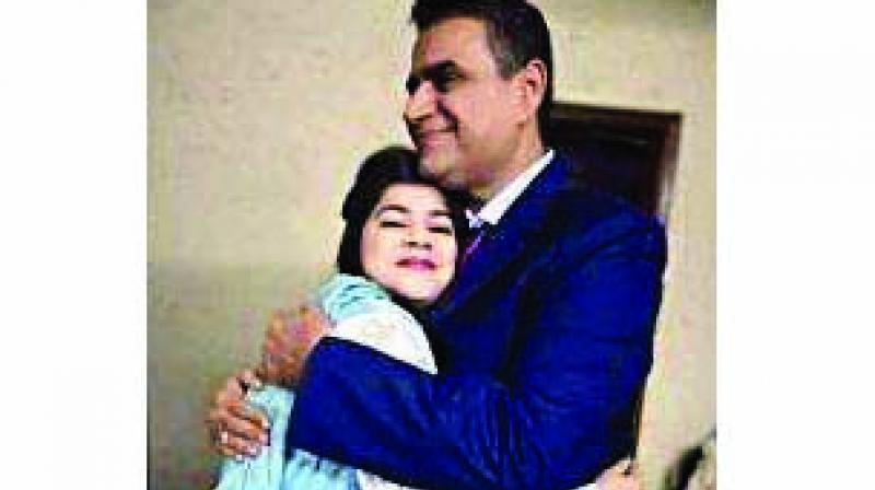 Suman with her father Pawan Kumar Bodani.