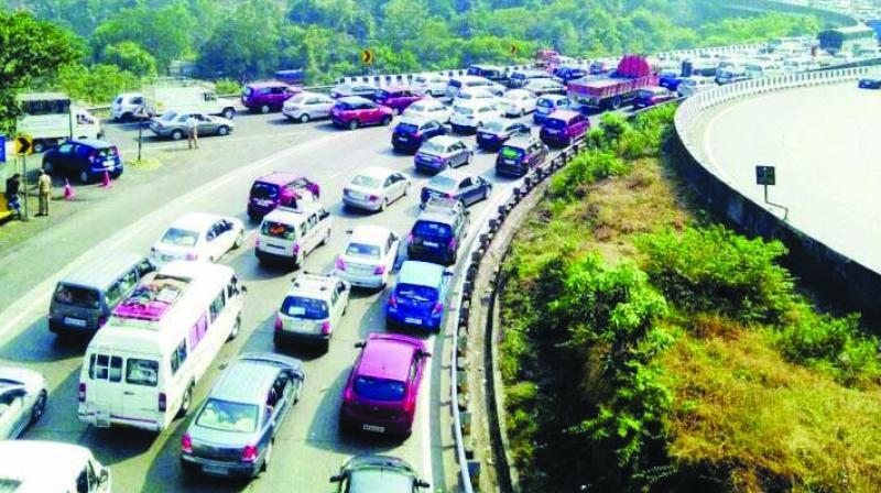 Mumbai-Pune expressway.