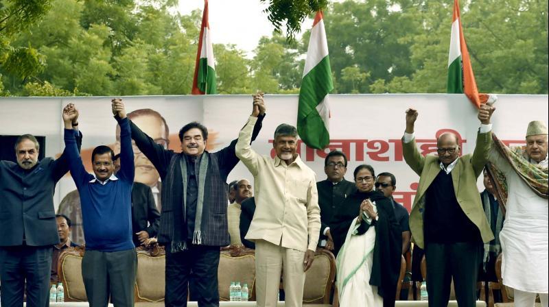 Delhi CM Arvind Kejriwal (left) with rebel BJP MP Shatrughan Sinha, Andhra Pradesh CM N. Chandrababu Naidu, West Bengal CM Mamata Banerjee, NCP chief Sharad Pawar  and National Conference president Farooq Abdullah at a rally in Jantar Mantar on Wednesday. (Photo: PRITAM BANDOPADHYAY)