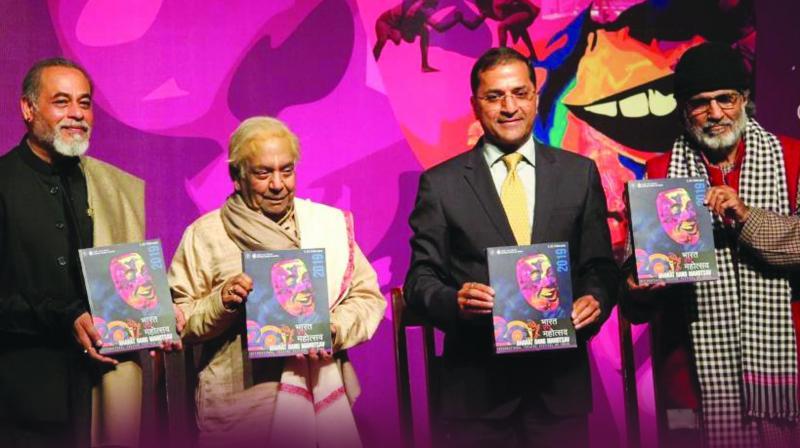 (L to R) Suresh Sharma, dir, NSD, Padma Vibhushan Pt. Birju Maharaj, Arun Goel, secy, culture ministry  Dr. Arjun Deo Charan, chairman, NSD Society.