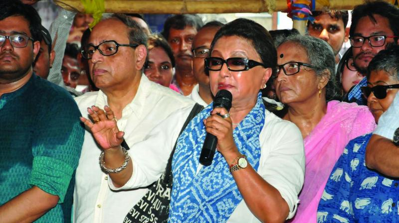 Veteran actress and filmmaker Aparna Sen addresses junior doctors in Kolkata on Friday during their strike in protest against an attack on an intern at Nil Ratan Sircar Medical College and Hospital. (Photo: PTI)