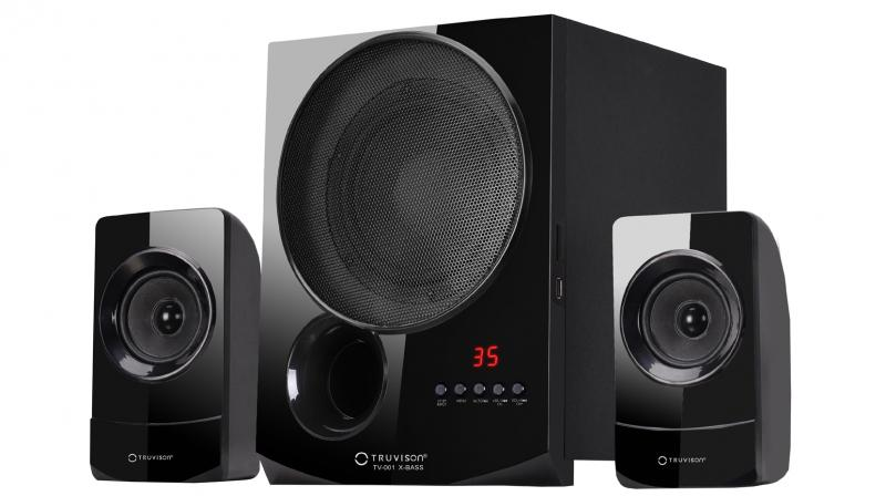 The 2.1 channel sound system is capable of effective sound throw.