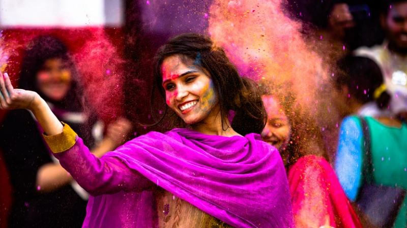 Tips and tricks to protect your gadgets this Holi. (Photo: Pixabay)