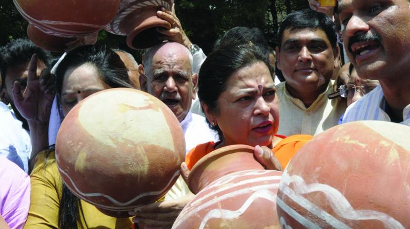 MP Meenakshi Lekhi during a protest against no water supply in New Delhi on Tuesday. (Photo: Sondeep Shankar)