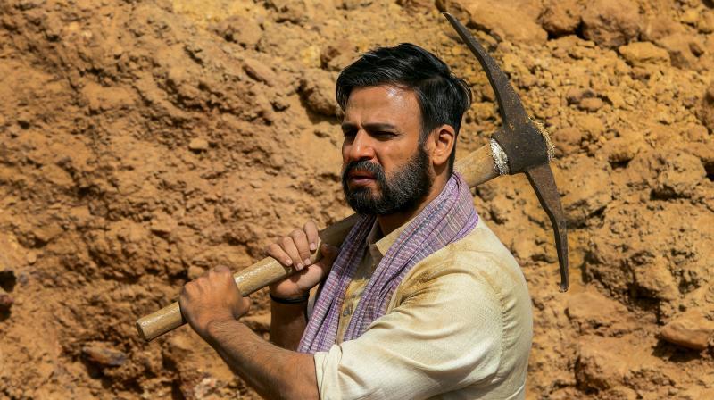 Vivek Oberoi in 'Saugandh Mujhe Iss Mitti Ki' song.