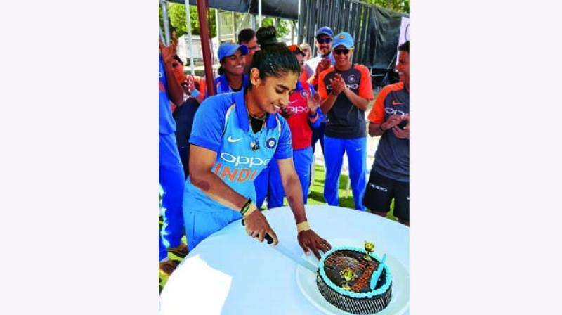 Mithali Raj cuts a cake to celebrate her 200th ODI. (Photo: Twitter)