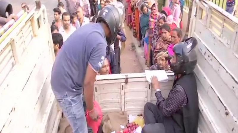 Many in the queue said that they had been waiting since the wee hours to buy onions. (Photo: ANI)