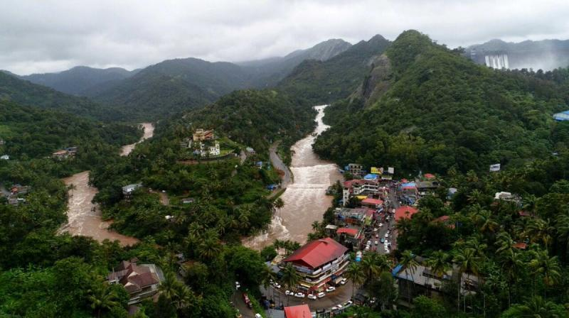 With flood situation in Kerala worsening with every passing day, the death toll in the monsoon fury has mounted to 167. (Photo: File | PTI)