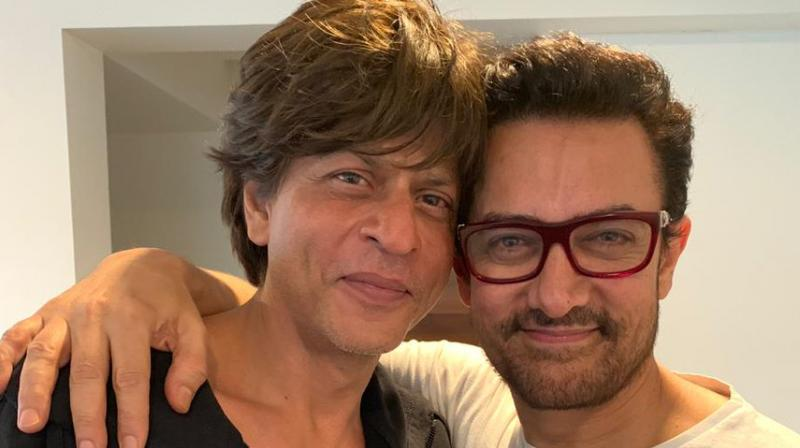 Aamir Khan and Shah Rukh Khan. (Photo credit: Twitter/aamir_khan)