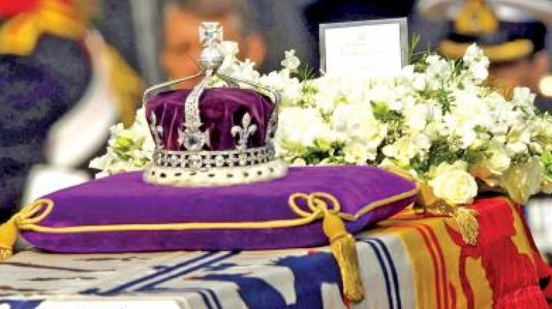 The Crown of the Queen's England currently holds the Kohinoor diamond. (Photo: File)