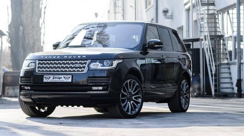 The pair admitted stealing the £75,000 Range Rover and both received suspended prison sentences at Warwick Crown Court.