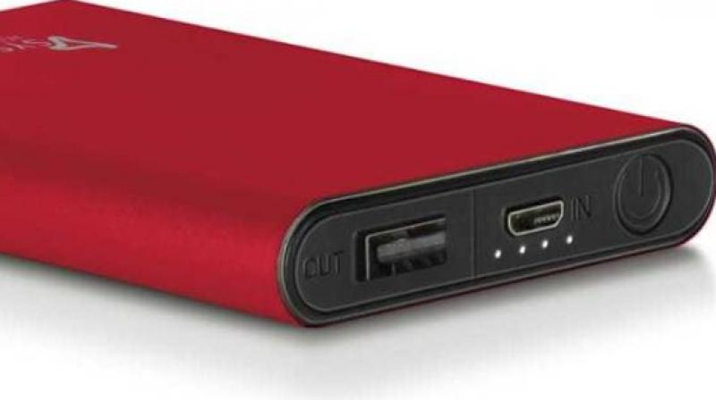 Syska P0511J Power Bank is super lightweight and weighs about 110 gm and is compact in size.