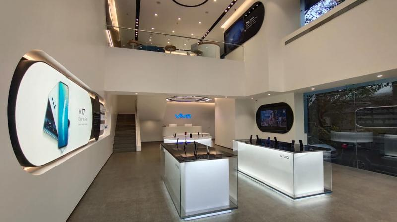 The vivo Experience centre is conveniently located at Shop number 3, Ashar Millennia building, Ghodbunder Road, Kapurbavdi, Thane, Maharashtra.