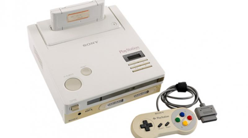 The prototype has a slot for Super Famicom and Super Nintendo games, along with CD-ROM drive that lets you play music CDs.
