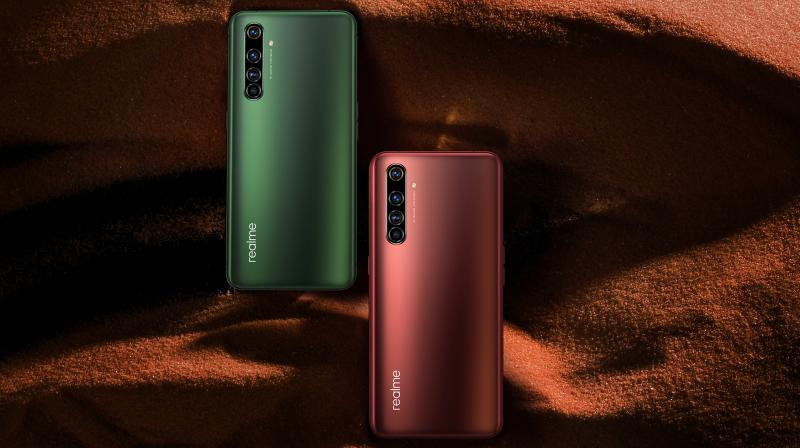 realme X50 Pro 5G is equipped with an ultra-massive 6.44-inch Samsung Super AMOLED display which offers an aspect ratio of 20:9, with up to 92% screen-to-body ratio.