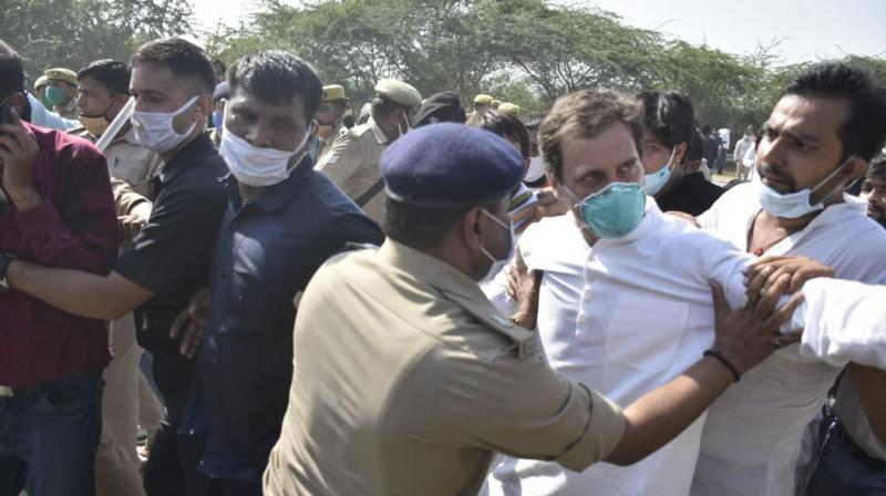 Rahul Gandhi being manhandled by the UP Police. (PTI)