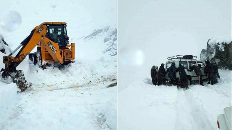 Himachal Pradesh: Snow clearing operations were started earlier on Monday by the district administration on the Highway from Kaza to Gramphu in Lahaul-Spiti district. (Photo: ANI)