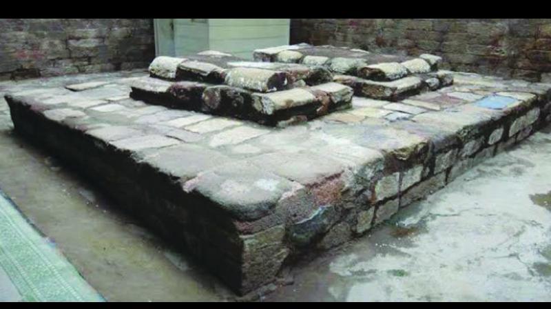 Razia Sultan's grave at Turkman Gate, Delhi