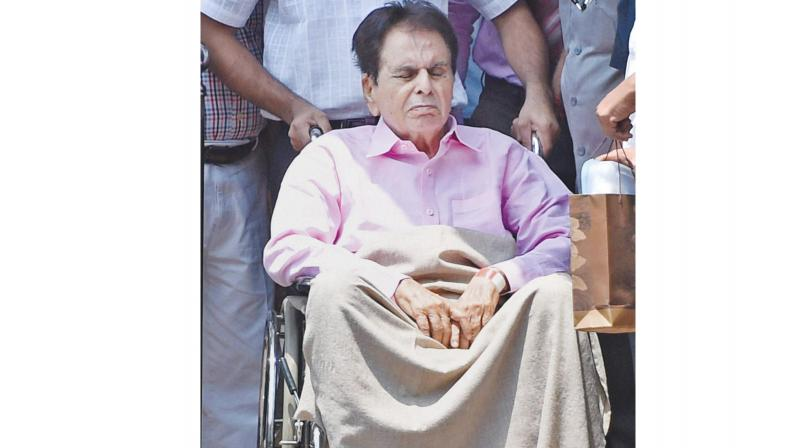Actor Dilip Kumar, who was admitted to Lilavati Hospital with complaints of uneasiness earlier this week, has been diagnosed with mild pneumonia.