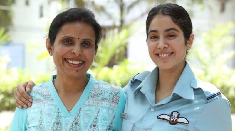 Janhvi Kapoor with Gunjan Saxena. (Photo: Instagram)