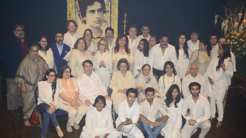 Kapoor family at Shashi Kapoor's prayer meet.