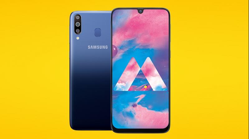 Galaxy M30 is 3X powered with a super AMOLED Infinity U display, triple rear camera and 5000mAh battery with fast charge.