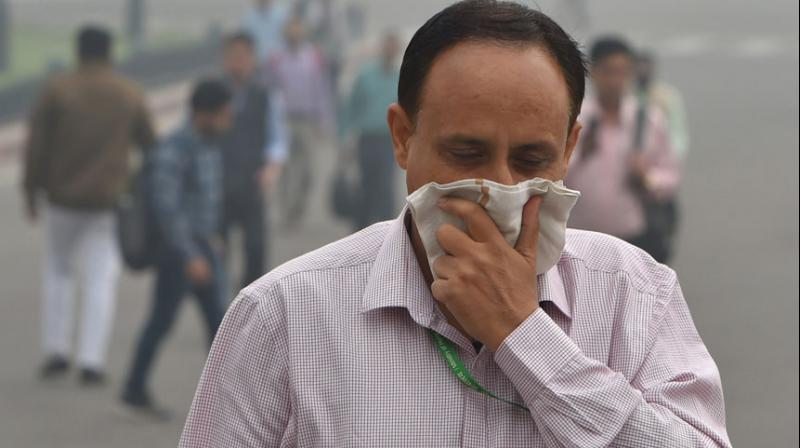 Pollution levels in a few areas, including Jahangirpuri (405), Rohini (404) and Nehru Nagar (406) shot up to severe levels.  (Photo: PTI)