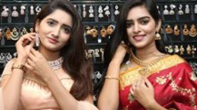 Telugu TV actresses Bhargavi and Anushka died in road accident