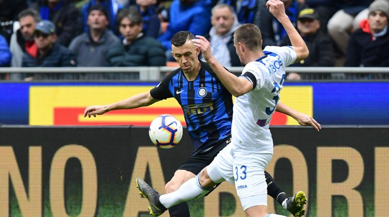A header from Radja Nainggolan and an Ivan Perisic penalty in the first half put Inter in control before Francesco Cassata pulled one back for Frosinone as they improved after the break. (Photo: AP)