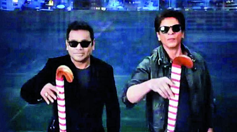 Rahman could be seen with Indian hockey players and celebrities like Shah Rukh Khan, Sivamani and some Indian Hockey players in the music video.
