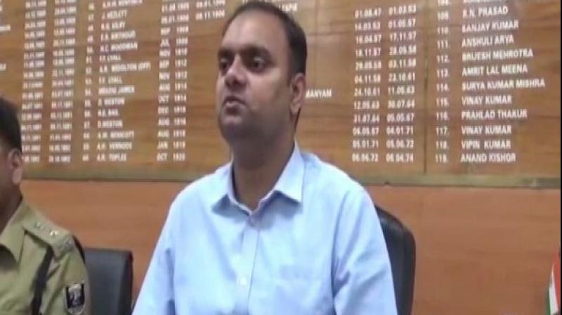 District Collector Alok Ranjan Ghosh said that the Sector Officer Awadesh Singh's driver had expressed his desire to vote. According to a primary reply by the officer, he had taken the EVM machine and VVPAT into a private hotel. (Photo: ANI))