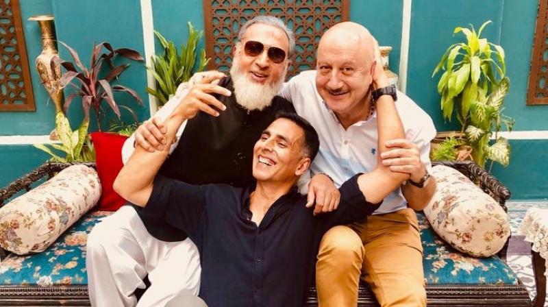 Akshay Kumar with Anupam Kher and Gulshan Grover. (Photo: Twitter)