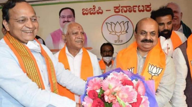 Visuals from the Karnataka BJP Legislative Party meeting on Bengaluru on Tuesday. (Photo: Twitter/@BJP4Karnataka)