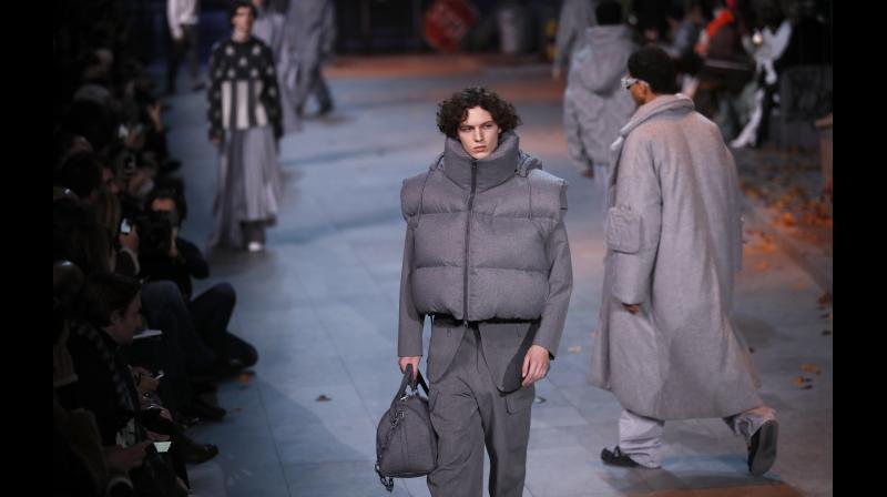 Louis Vuitton S Jackson Inspired Nighttide At Men S Fashion Week In