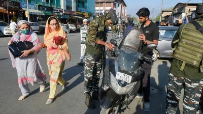 A large part of non-local workforce leave Kashmir Valley