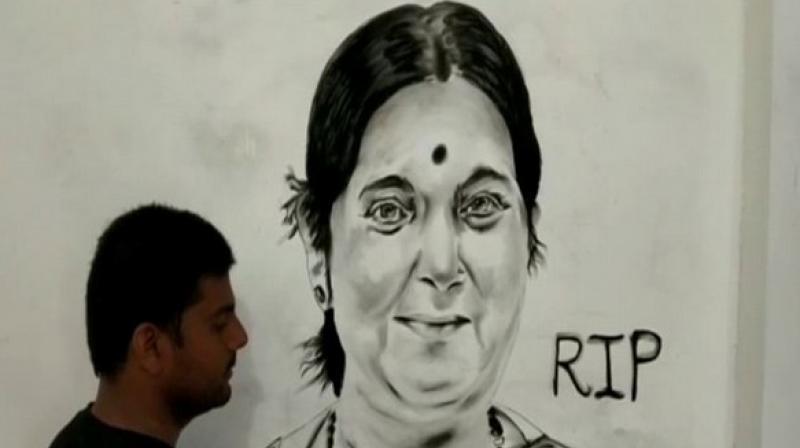 Zohaib Khan made a 6 feet portrait of Sushma Swaraj. (Photo: ANI)
