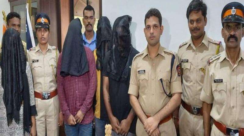 Four persons, including a woman, have been arrested by Mumbai Police for allegedly duping people by promising them jobs. (Photo: ANI)