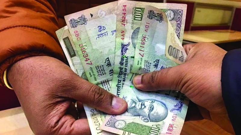 Dhanaji Jagdale, who makes ends meet by doing odd jobs, is earning praise from all quarters after he returned Rs 40,000 cash lying at a bus stop on Diwali to its rightful owner. (Representational Image)