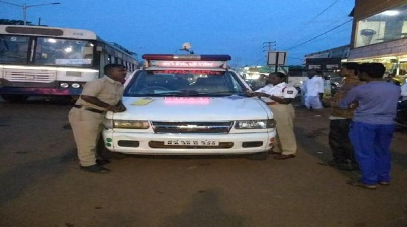 Bidar Police on Monday conducted a drive and registered 1,012 cases under various offences of Motor Vehicles (Amendment) Act 2019. (Photo: ANI)