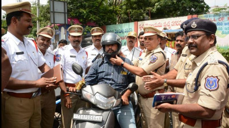 At a time when imposition of heavy fines for violation of traffic rules is evoking public anger in parts of the country, Rachakonda police commissionerate in Greater Hyderabad is trying an innovative method to make the motorists follow the rules. (Photo: Twitter/ @RachakondaCop)