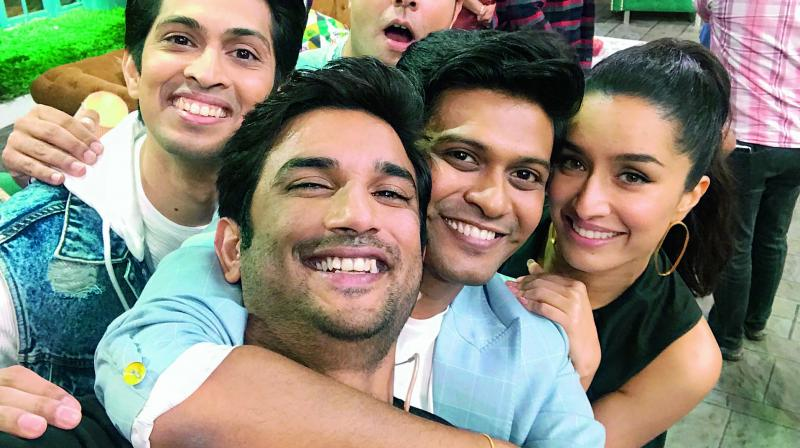 Naveen Polishetty with his co-stars from the movie Chhichhore having a fun time post wrap up