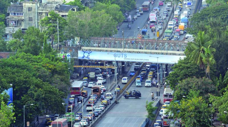 The Sion flyover will be closed for 40 days as the work to change its shock absorber bearings is likely to begin before Diwali. The first stock of jacks will arrive in Mumbai by Monday. Meanwhile, the Maharashtra State Road Development Corporation (MSRDC) is awaiting police permission to start work.