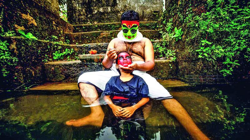 The story, titled Achan, begins with the main character, a man sporting a Kathakali vesham holding his baby (Bhadra) in front of wife's pyre. He takes care of his daughter who grows in the middle of happiness.