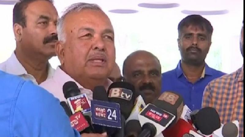 Former Karnataka home minister Ramalinga Reddy on Sunday said that former Karnataka chief minister Siddaramaiah is likely to be the Leader of Opposition in the state legislative assembly. (Photo: ANI)