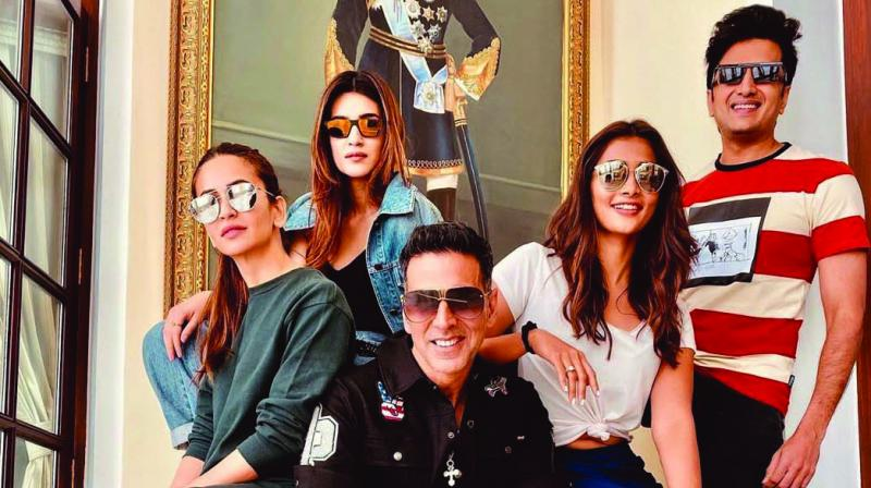 Housefull 4 team