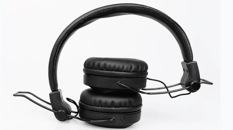 The headphones are fairly standard for this class with both wireless (BT 5.0) and wired (0.3 mm AUX) capability.