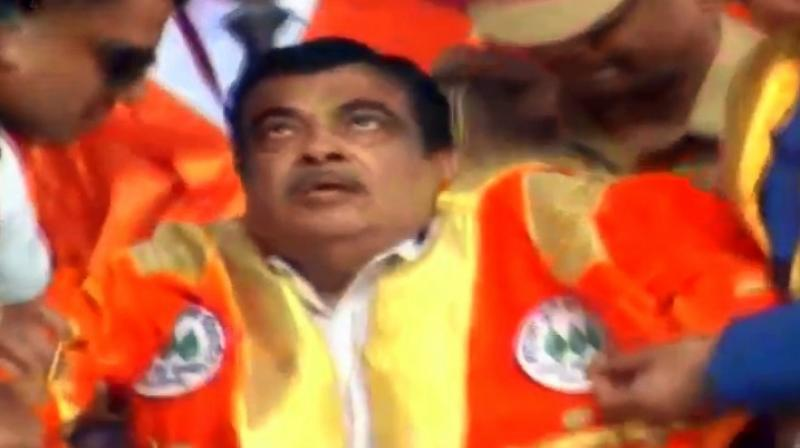 Union Minister Nitin Gadkari fainted at the convocation of an agriculture university in Rahuri while the national anthem was being sung, official said. (Photo: Screengrab | YouTube)
