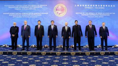 From left, Indian Prime Minister Narendra Modi, Kazakh President Kassym-Jomart Tokayev, Chinese President Xi Jinping, Kyrgyz President Sooronbay Jeenbekov, Russian President Vladimir Putin, Pakistani Prime Minister Imran Khan, Tajik President Emomali Rahmon and Uzbek President Shavkat Mirziyoyev pose for a photo before a session at the Shanghai Cooperation Organization summit in Bishkek, Kyrgyzstan, Friday, June 14, 2019. (Photo: AP)