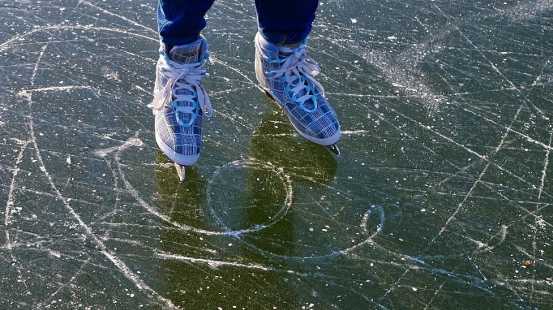 The mystery of sliding on ice can therefore be found in the