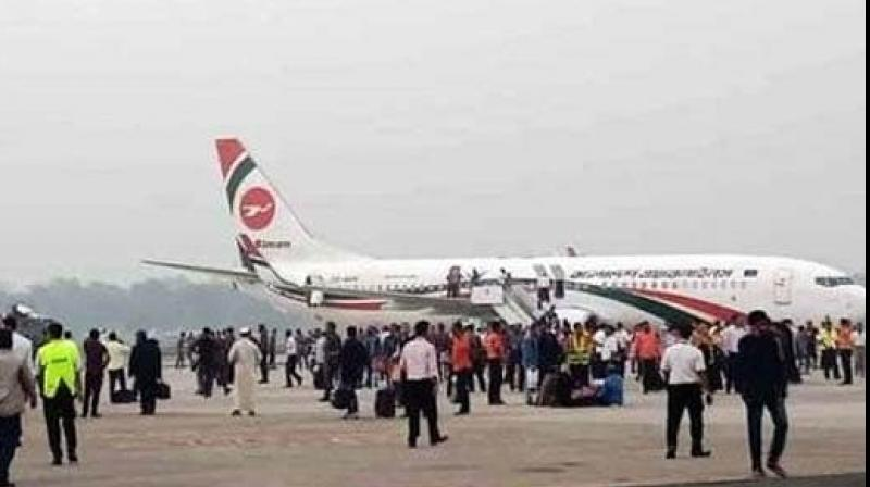 Bangladeshi commandoes shot the passenger who had tried to enter the cockpit of a Biman Bangladesh Airlines flight. (Photo:Twitter)